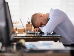 Dormire solo 6 ore porta ansia e depressione