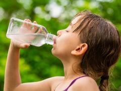 Idratazione e attività fisica per combattere il disturbo ADHD nei bambini alt_tag