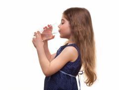 Idratazione fondamentale per contrastare l'obesità infantile