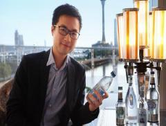 Jason Kuok e il menù dell'acqua – In a Bottle