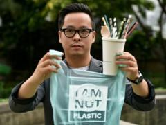 Kevin Kumala ha creato la bioplastica commestibile