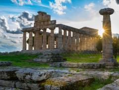 Paestum: Poseidonia in Mostra tra Archeologia e Clima– In a Bottle