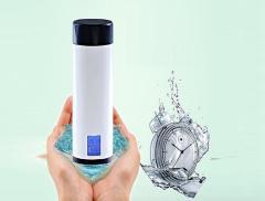 Pyrus, la bottiglia smart amica della nostra idratazione