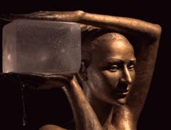 Statue come fontane nelle sculture della Chodakowska - In a Bottle