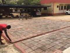 Strade di plastica per il Ghana