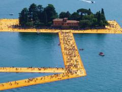 Walking on Water: il lungometraggio dedicato all'opera di Christo – In a Bottle