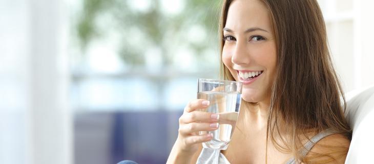 5 semplici consigli per bere più acqua