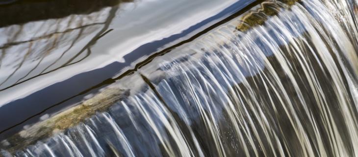 I 7 benefici dell'energia idroelettrica – In a Bottle