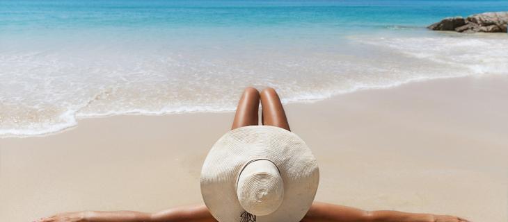Scottature estive: come prevenirle e mantenere l'abbronzatura - In a Bottle