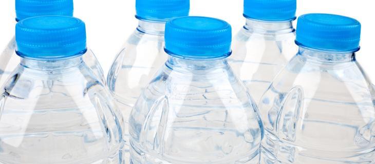 Acqua in bottiglia in UK: +40% di vendite rispetto a 30 anni fa