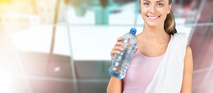 Autunno in arrivo: come sconfiggerlo con una corretta idratazione