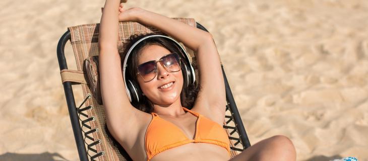 Canzoni che celebrano l'acqua: ecco la playlist dell'estate