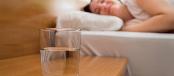 Dormire poco aumenta il rischio disidratazione – In a Bottle