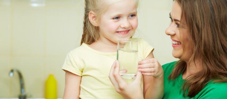 I genitori italiani educano i figli alla corretta idratazione - In a Bottle
