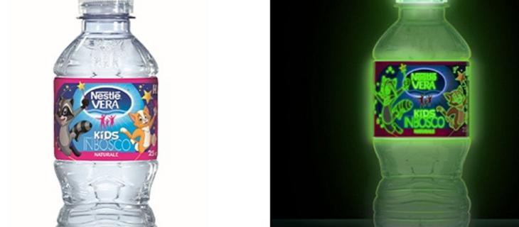 Happy Night, la bottiglia d'acqua che si illumina al buio