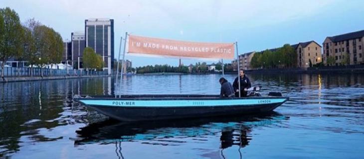 Hubbub presenta la prima barca di plastica riciclata