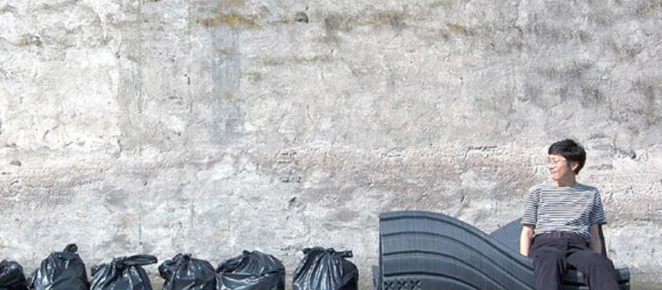 I rifiuti di plastica trasformati in panchine pubbliche