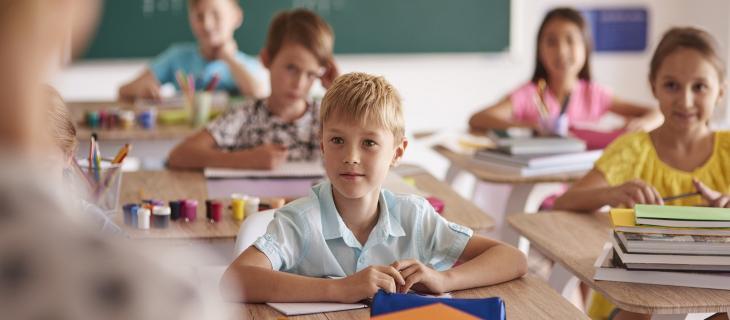 Inghilterra: bambini a scuola non autorizzati a bere acqua