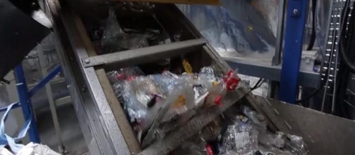 Le bottiglie di plastica diventano imballaggi alimentari