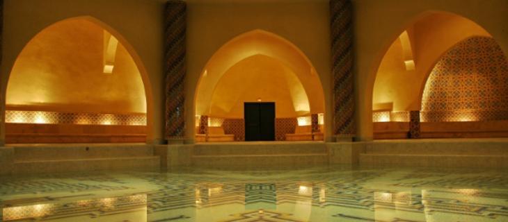 Depurarsi, il piacevole detox del bagno turco. Tutti i benefici del vapore acqueo per le vie aeree e per combattere la cellulite