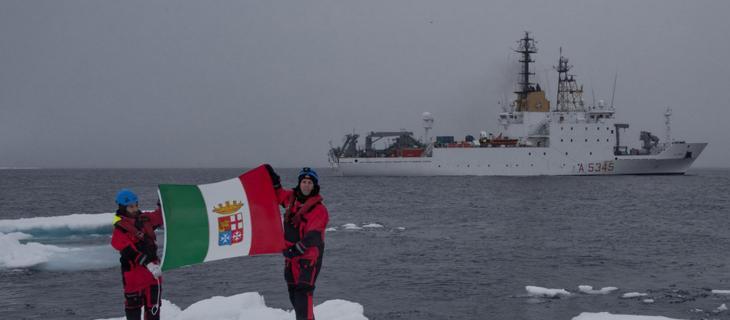 La Nave Alliance in missione per studiare i ghiacci del nord - In a Bottle