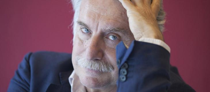 Paolo Crepet: il significato di sognare l'acqua, affogare e nuotare